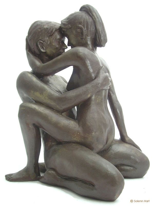 Sculpture couple complice